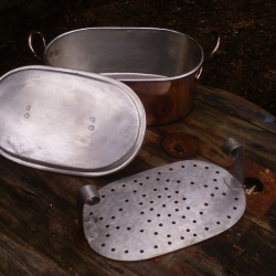 tinned fish kettle